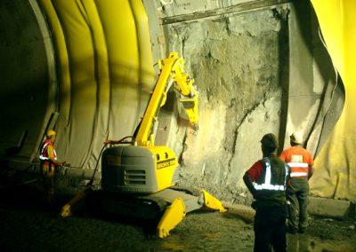 Brokk330_tunneling_demolition_robots_demolition_machines__2_