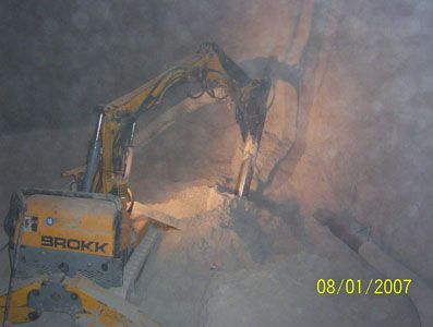 Brokk90_cement_demolition_robots_demolition_machines__2_