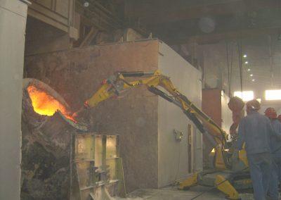 Brokk_process_demolition_robots_demolition_machines__2_