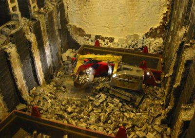 Brokk_process_demolition_robots_demolition_machines__6_