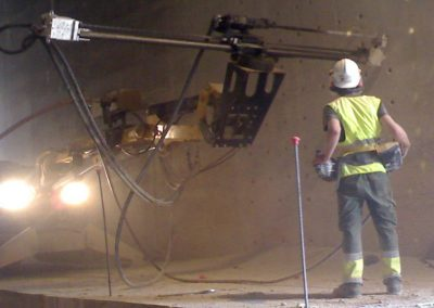 Brokk_tunneling_drilling_equipment_demolition_robots_demolition_machines