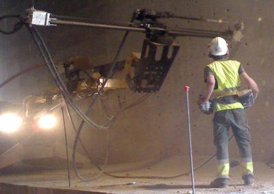 Brokk_tunneling_drilling_equipment_demolition_robots_demolition_machines